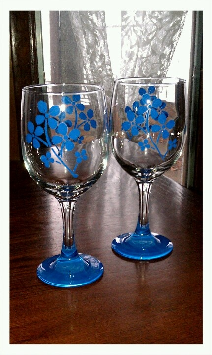 Hand painted wine glasses do it yourself pinterest for Do it yourself wine glasses