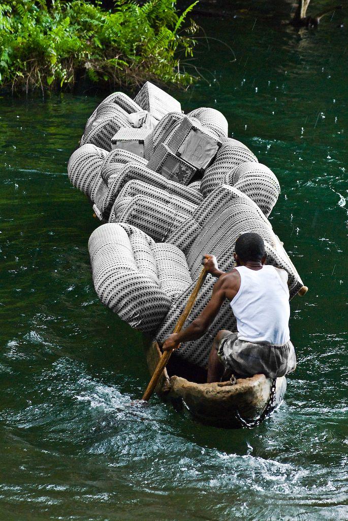 Mudanzas por el rio. www.todokb.com Mudanzas y guardamuebles en Pamplona: locales, nacionales e internacionales