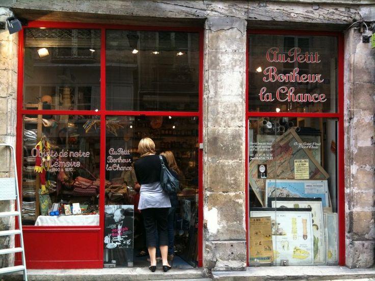 Au Petit Bonheur La Chance Le village Saint PAUL PARIS LE MARAIS