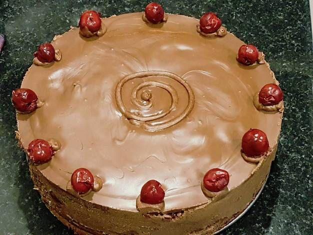 Lúdláb torta zselés meggyel