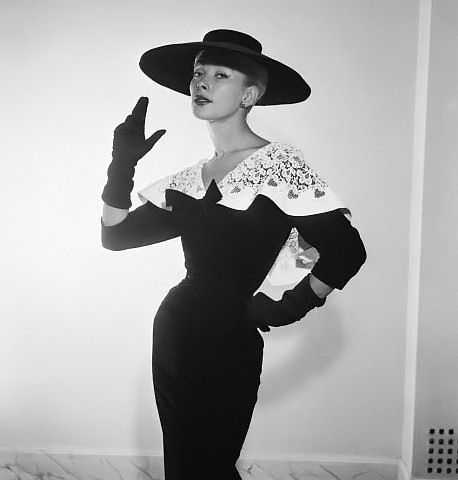 Geneviève in dress by Pierre Balmain, 1954 | 17 Sep 1954, Pa… | Flickr