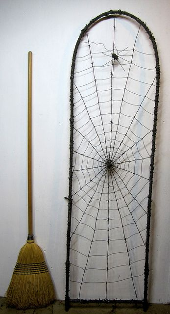 6 foot Barbed Wire Trellis by The Dusty Raven Gallery, via Flickr