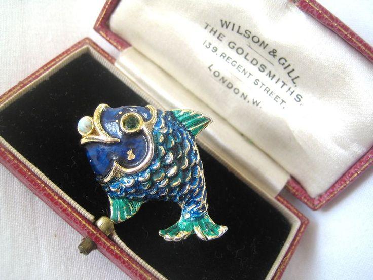 VINTAGE JEWELLERY – SIGNED REINA DEL MAR 1973 – FISH BLUE & GREEN ENAMEL BROOCH