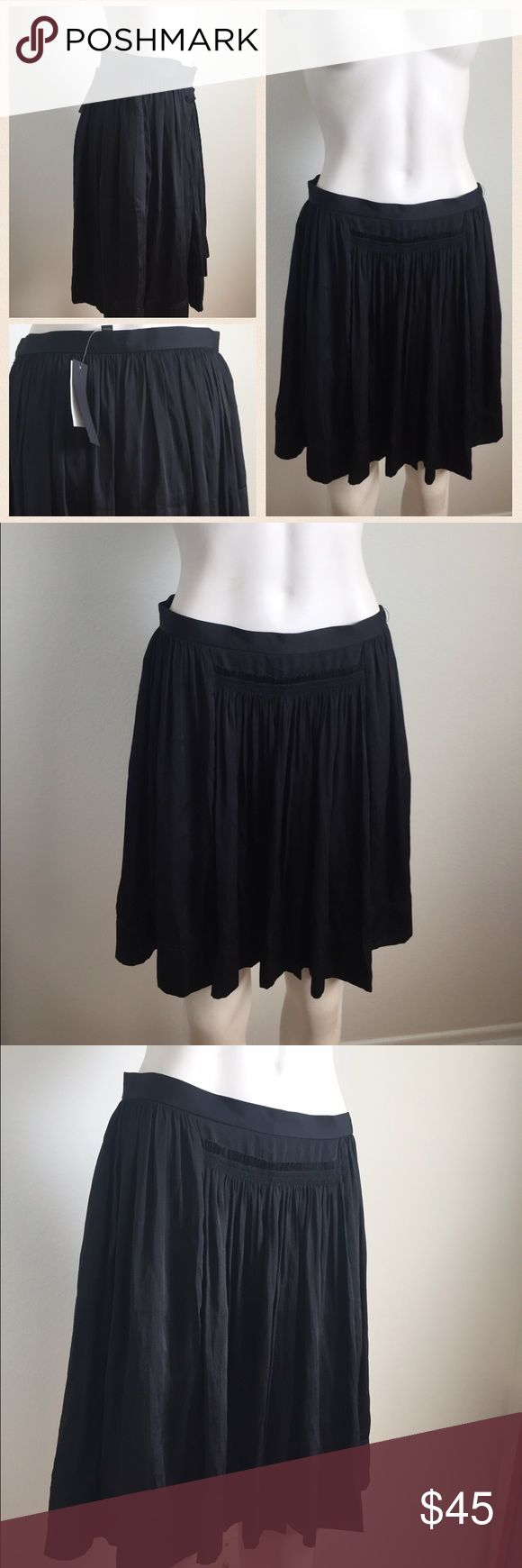 Banana Republic black skirt Gorgeous skirt by Banana Republic. Brand new with tags! Very flowy fabric. Perfect day to night skirt. Banana Republic Skirts