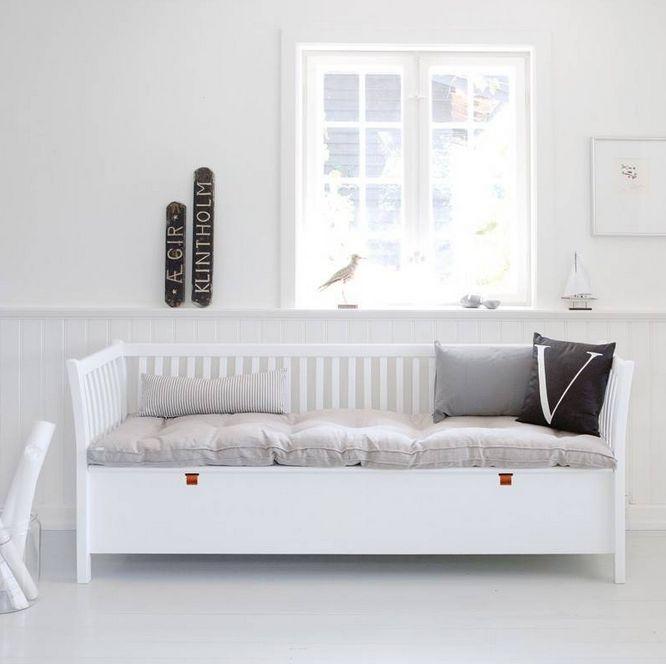 Kökssoffa/ slagbänk 194 cm vit, Oliver Furniture, solheminredning.se Mått - 194 x 60 x 80 cm