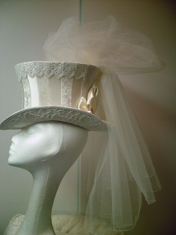 The Steampunk Bride: The Steampunk Bride's Wedding Gown, part 1