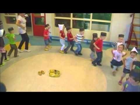 Klompendans groep 1-2 - YouTube