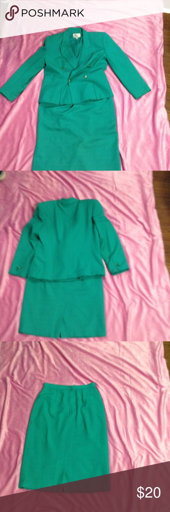 Christopher woman's petite outfit Good condition one botton is clip  Ned's fix & mix one Other