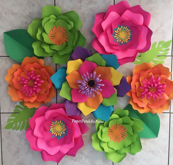 Handmade paper flower set. Perfect for birthdays, or any event. Made to order. Takes me 5 days to make from ordering date. Shipping is 5-7 days after flowers are made. Turn around time is 1-2 weeks from ordering date. 7 piece paper flower set Flowers ranging from 8-16. 🔸Flowers