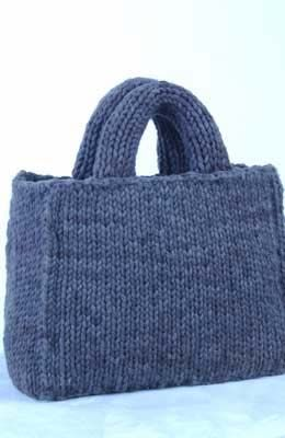 This cute, knit tote bag, made on a knitting board, is a great project for beginners, from Authentic Knitting Board.