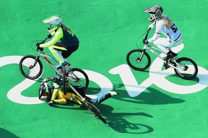 Gold medal favorite Caroline Buchanan crashes out of Women's Olympic BMX. :(   VIDEO: https://www.facebook.com/BikeRoar/posts/1061073630608139.   #bmx #bike #olympic #cycling #bicycle #crash #rio2016