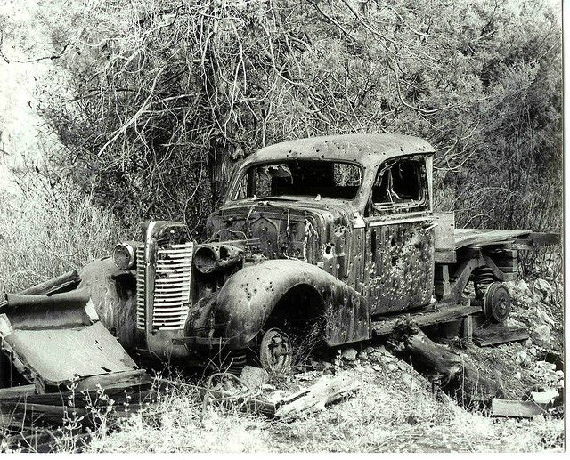 Old pickup truck by km6xo, via Flickr