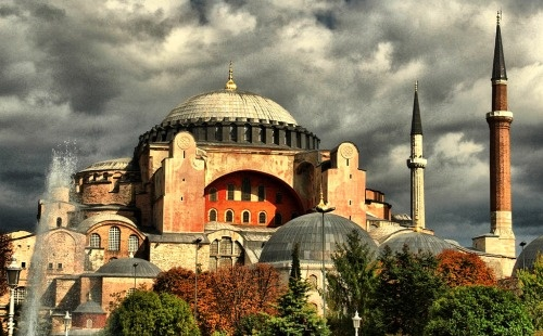 Hagia Sophia_outside http://www.mediterraholidays.com/turkey/turkey-vacation-package
