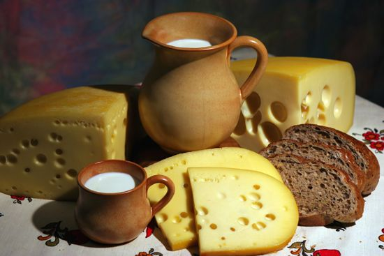 Top 10 Cheese Types: http://www.toptentop.com/food-drinks/top-10-cheese-types/