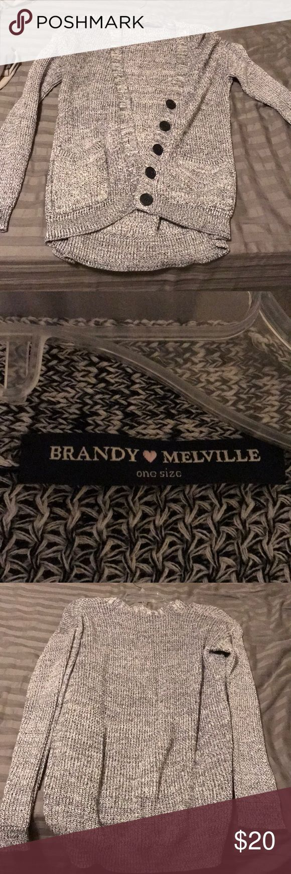 Brandy Melville Cardigan One Size, excellent condition. Has pockets in the front Brandy Melville Sweaters Cardigans