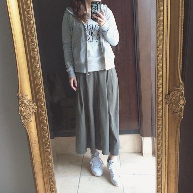 atsuko_1102_ma3月16日 コーデ記録 スタンスミス買いました picでは全くわからないですがネイビーです。 #パーカー #スカンツ #スカーチョ #GU #GUMANIA #ジユジョ #スニーカー #スタンスミス #stansmith #adidas #アディダス #mamagirl #ママ雑誌sakura #ママコーデ #hotmamatown #ootd #outfit #instastyle #プチプラ #プチプラコーデ
