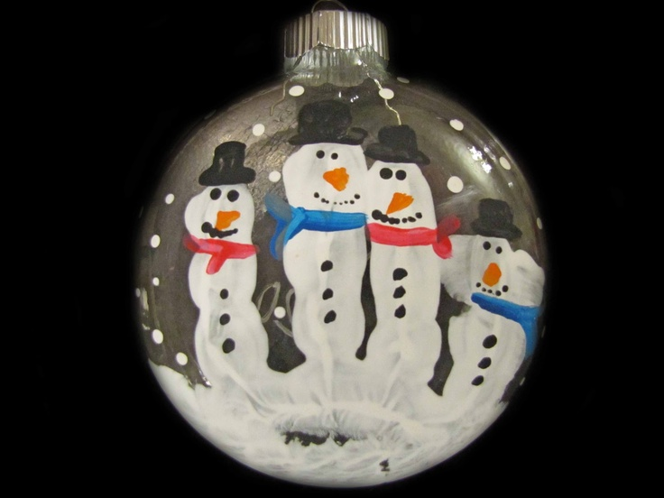 snowman handprint ornament cute! Kids could add (or subtract) fingers to fit their family structure