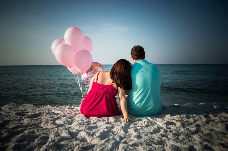 It's a girl. Beach gender reveal.