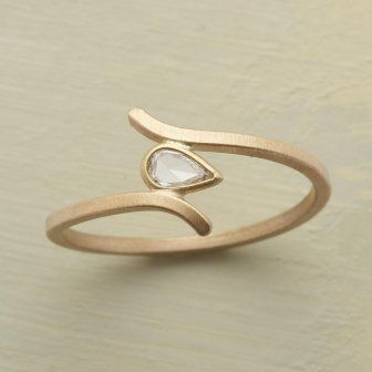 17 Best ideas about Unusual Engagement Rings on Pinterest Design