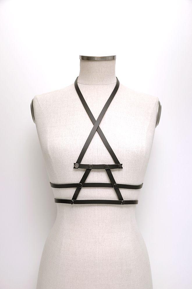 Aumorfia | Linear_A | V_bodybelt | black leather harness
