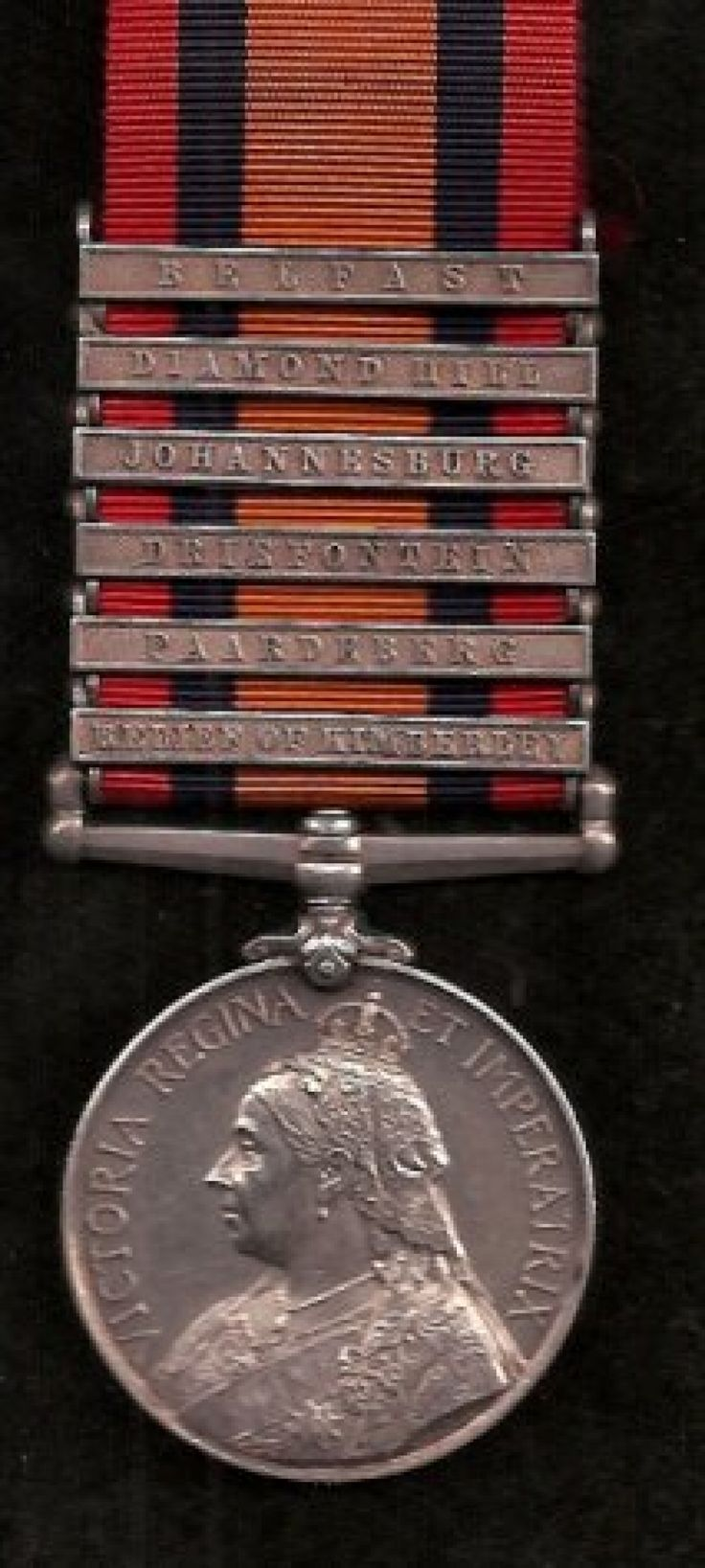 Queen's South Africa Medal, with 6 Clasps - BELFAST, DIAMOND HILL, JOHANNESBURG, DRIEFONTEIN, PAARDEBURG, RELIEF OF KIMBERLEY
