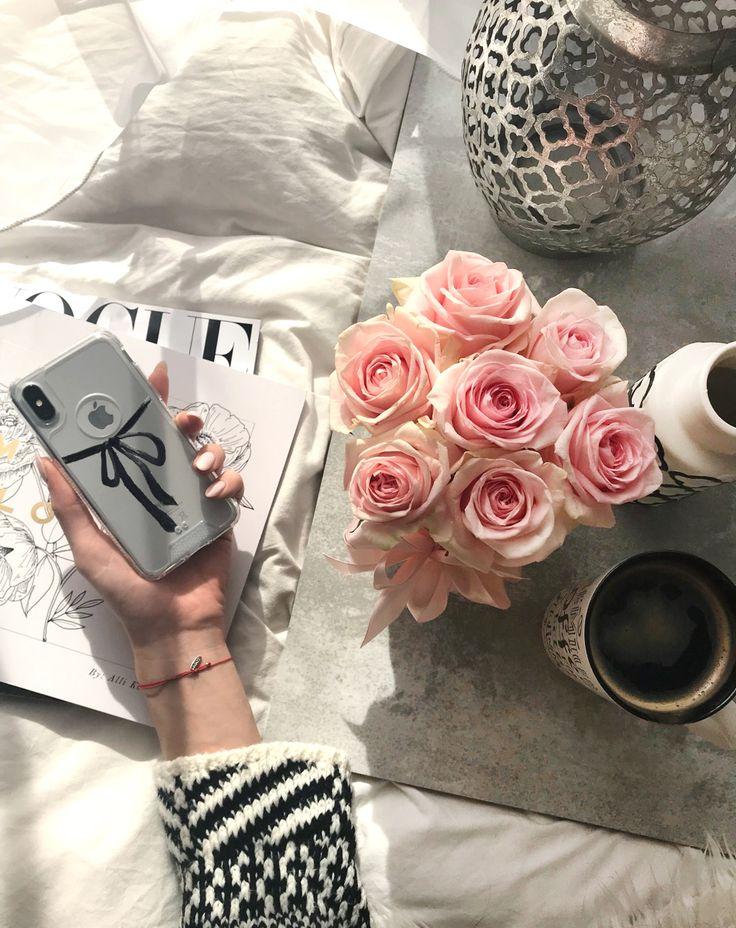 #vogue #polska #etui #case #phone #casephone #apple #accesories #pink #roses #flatlay