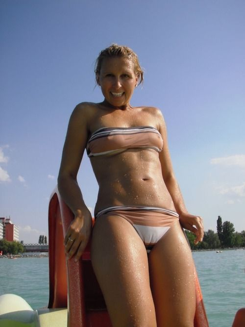 Bikini Babes Muschi Bilder