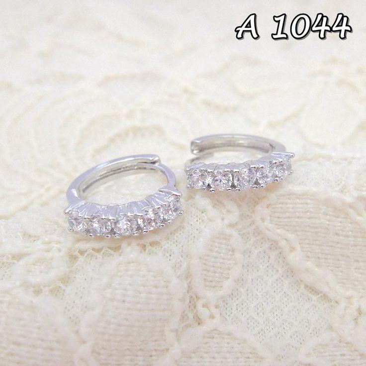 Saya menjual Anting Xuping Perhiasan Line Permata A 1044 seharga Rp17.000. Dapatkan produk ini hanya di Shopee! https://shopee.co.id/sitigrosirxuping/811566731 #ShopeeID Fast Respon Pin BB : DB26F989 No Hp : 081223398889