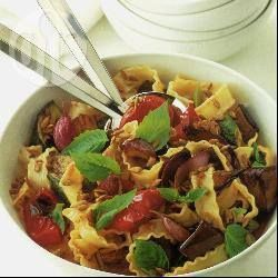 Noodles with roasted vegetables