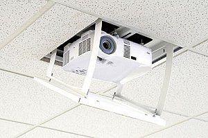 DA-LITE SCREEN COMPANY, INC Da-Lite Screen Company, Inc 8142 Da-Lift, Pivoting 33P. DA-LIFT PIVOTING 33P.