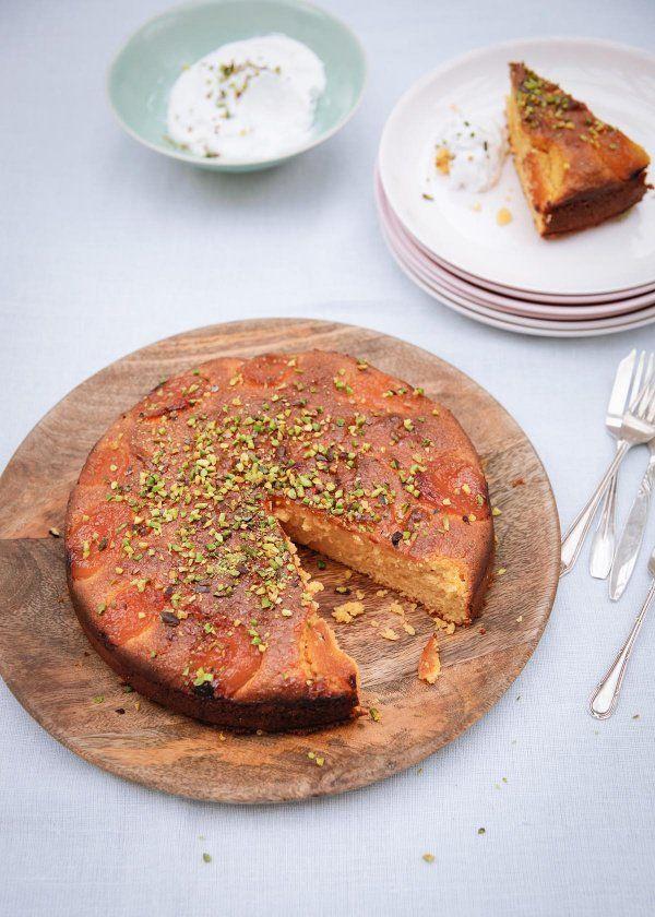 Apricot Gâteau aux amandes Avec Rosewater et cardamome