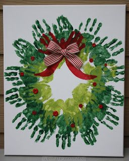 Risa's Pieces of Art: Handprint Christmas Wreath