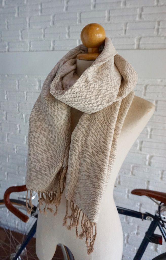 Handmade diamond pattern scarf - Cream