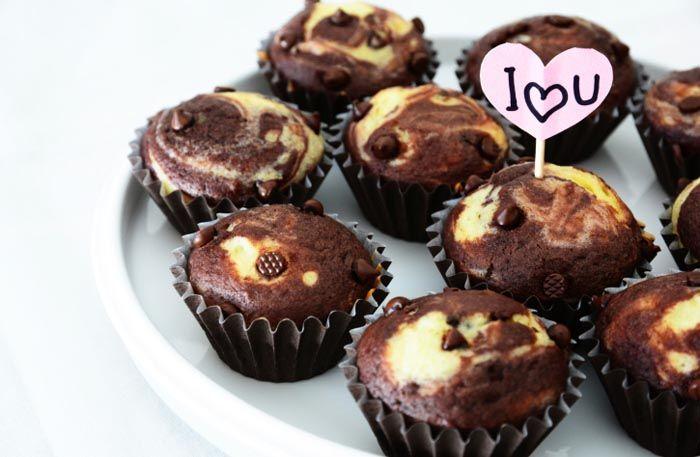 Fantastiskt goda chokladmuffins med cheesecakefyllning – här hittar du receptet