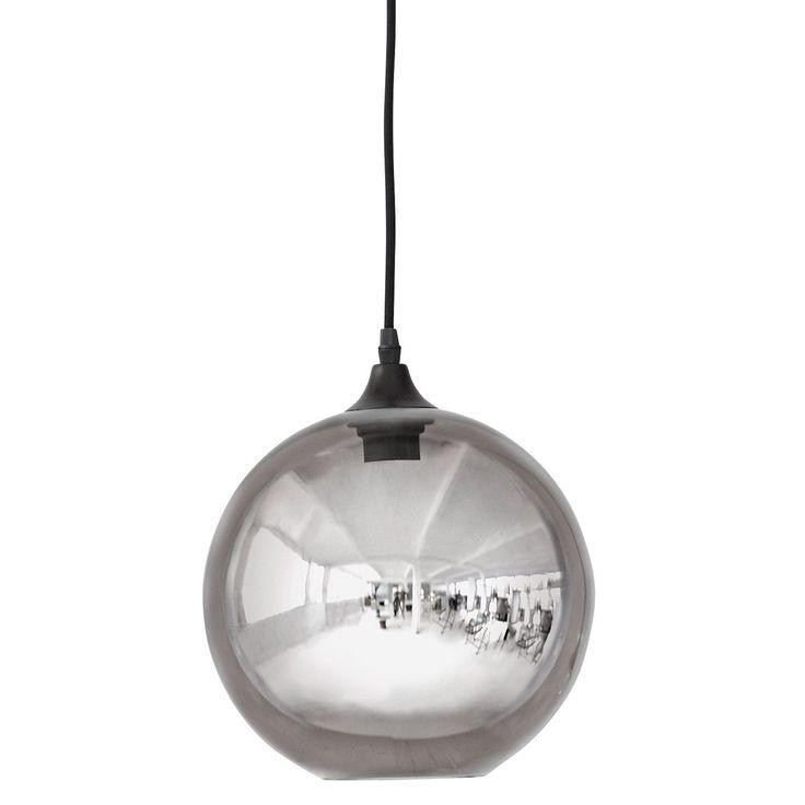 Ellipse pendel fra House Doctor. En stilfull og enkel lampe med fin form og ett robust inntrykk. Lam...