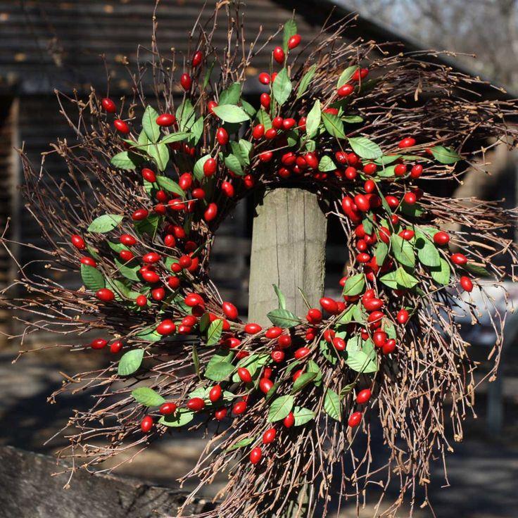 "Twig Spiral Cranberry Wreath - 22"""