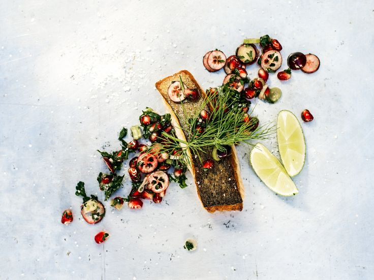 lock.stoff - photographie, grilled salmon with herbs. Photo: R. Haberberger...