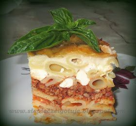 Bardzo smaczny i szybki obiad, daję słowo:) Do przygotowania pastitsio zainspirowała mnie Atinka   która nie dość, że ciekawie gotuje t...