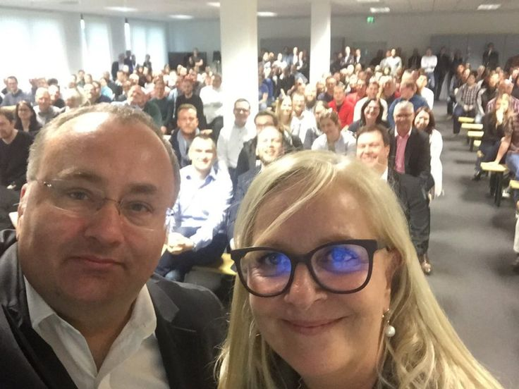 Dell EMC is a multinational company with more than 70,000 employees across the planet. The company offers services that allow companies to store and analyze their data. Senior vice president & MD, Dinko Eror and his senior VP colleague Doris Albiez took this epic office selfie showing the hundreds of team members based at the company's Halle office in Germany.