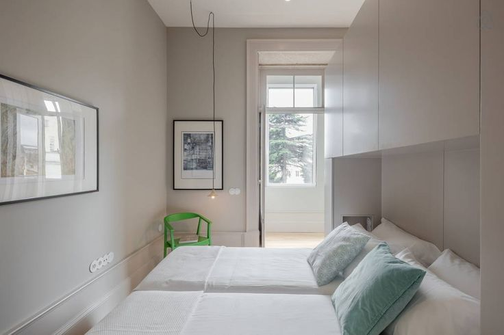 Veja este anúncio incrível na Airbnb: Awesome Spacious Apartment w/Garden - Apartamentos para Alugar em Porto