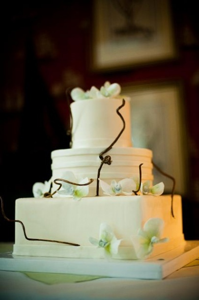 Different Shape Tier Wedding cake, white wedding cake with sugar paste orchids: Tier Wedding Cakes, Cakes Ideas, Tiered Wedding Cakes, Creative Cakes Wedding, Wedding Cakes White, Cakes Cupcake, Cakes Inspiration, Wedding Cake White, White Wedding Cakes