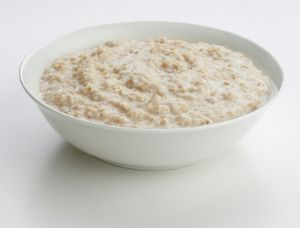 Slow Cooker Porridge  2 cups oatmeal 2 tblsp yogurt or lemon juice 2 cups coconut milk  4 to 8 tbsp butter,cut into cubes  dried apples 1 cinnamon stick  soak it for about 12 to 24 hours . soak the two cups of oatmeal in a bowl of warm water with two tablespoons of yogurt or lemon juice. drain the oatmeal and give it a good rinse. Place the soaked oatmeal, coconut milk, butter, apples and cinnamon, along with 4 cups water, in a greased slow cooker, turn on low and cook overnight (8 hours).