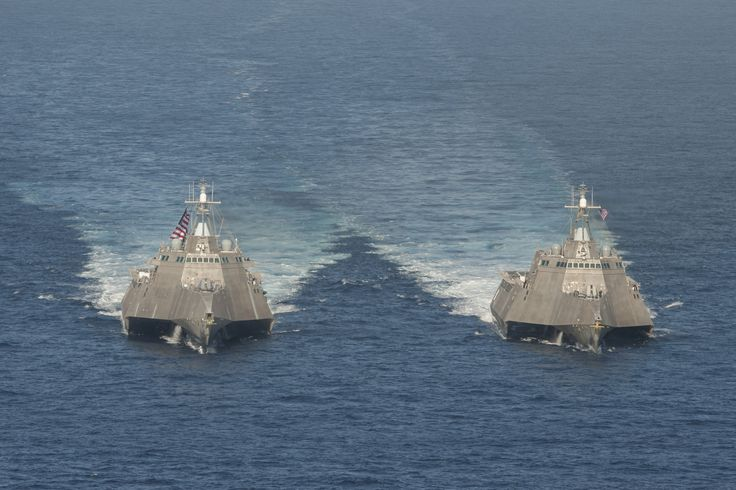 The littoral combat ships USS Independence (LCS 2), left, and USS Coronado (LCS 4) are underway in the Pacific Ocean (U.S. Navy photo).