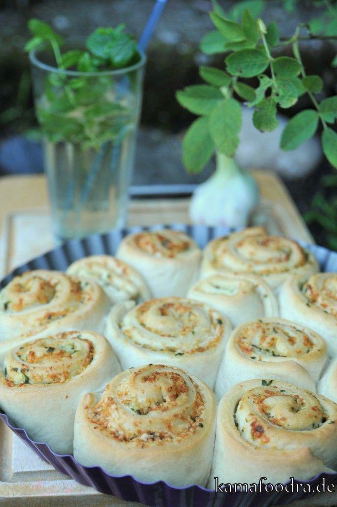 Knoblauch-Parmesan-Hefeschnecken
