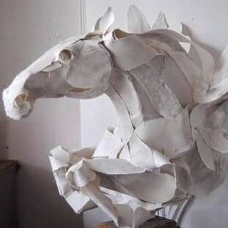Incredible paper sculpture by Anna Wili Highfield. #annawilihighfield #showgirlequestrian #horses #horselove #paperart