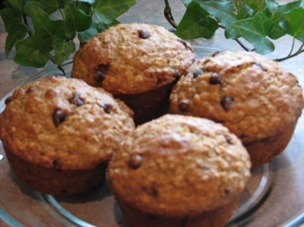 oatmeal applesauce muffins - sounds delicious, and only 110 calories ...