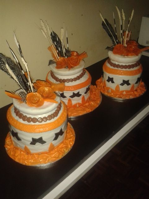 African pots wedding cake - Wedding cake by Fairyfield cakes Krugersdorp fairfield@live.co.za 0839427354