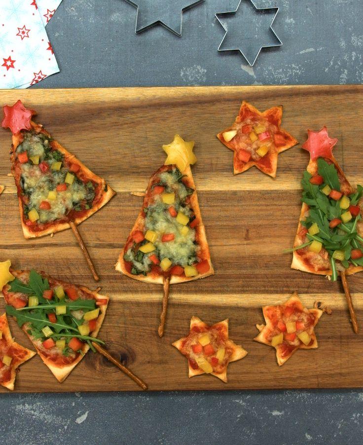 Pizza-Weihnachtsbäume mit Rucola, Spinat und Paprika