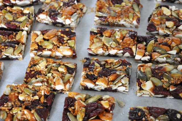 gf super energy bars: Bar Gluten, Energy Bars, Z Recipes, Granola Bar, Bar Honey, Free Bar, Bar Recipes, Barras Energéticas, Gf Bar
