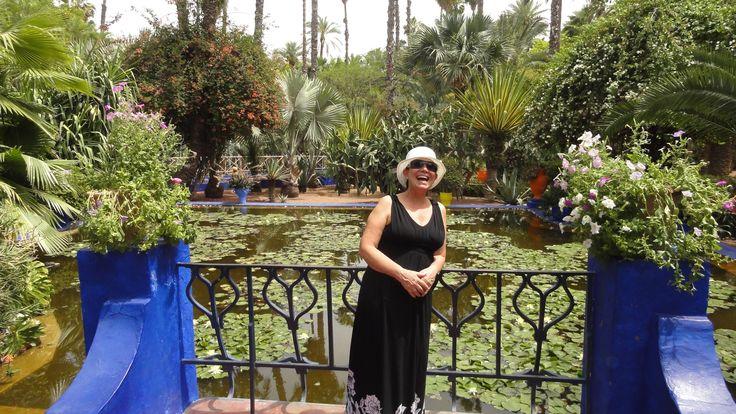 Passeando pelo Jardim Majorelle (Yves Saint Laurent), pelas Muralhas de Marrakech, assistindo a um show de dança do ventre e mais no blog Viajando de Novo  #dicasdeviagem #dicas #viagem #viajar #turismo #travel #traveltip #trip #tourism #blogdeviagem #blogsdeviagem #viagens #dicasdeviagens #traveltips #love #beautiful #nice #hbr #dicasdeviagem #travelblog #marrakesh #marrakech #morocco #marrocos #marraquexe